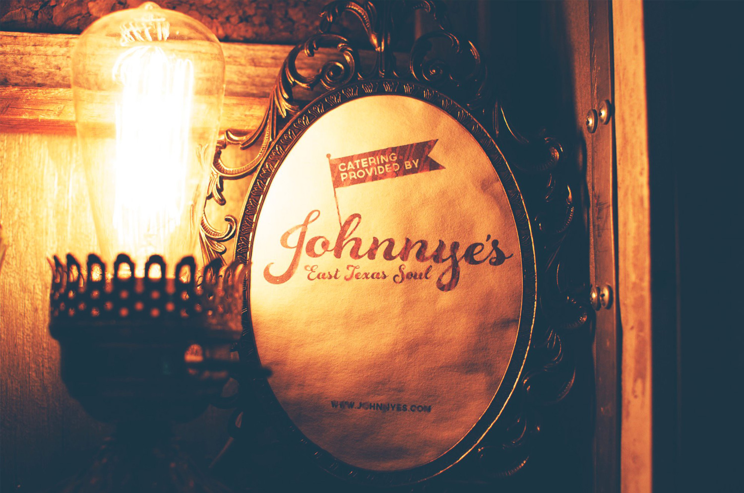 johnnyes_cateringsign